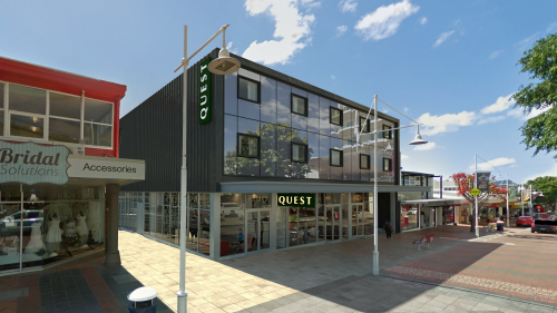 Impressive retail/office opportunity!